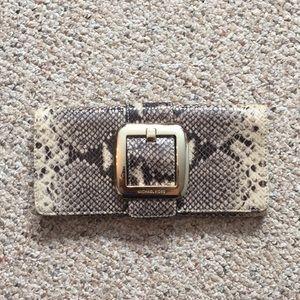 MK Snake Clutch